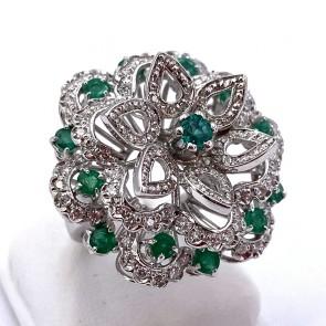 Anello maxi fiore oro, smeraldi - 2.8 ct - e diamanti - 1.85 ct; 11.79 gr
