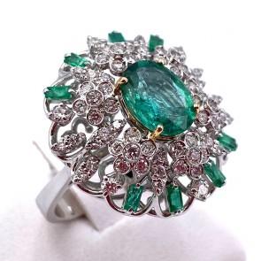 Anello margherita capolavoro oro, smeraldi - 2.38 ct - e diamanti - 1.04 ct; 8.06 gr
