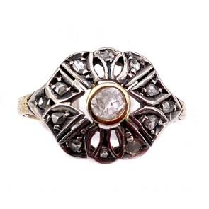 Anello toppa solitario in stile, antico, oro e diamanti