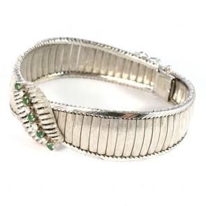 Bracciale superlativo in stile a piastre satinate, oro, diamanti - 0,35-0,40 ct- e smeraldi - 0,50-0,60 ct -  52,7 gr. 19 cm x 2 cm