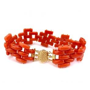 Bracciale geometrico snodabile in oro e corallo