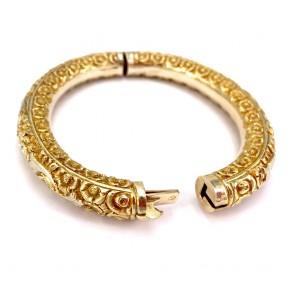 Bracciale in stile, bangle a cerchio rigido in oro giallo, inciso - 27.48 gr
