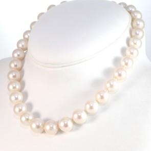 Collana girocollo di perle australiane - 12-14 mm, oro e diamanti -0.15 ct- 45 cm; 104.8 gr
