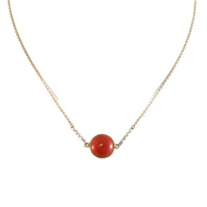 Collana oro con cabochon centrale di corallo rosso