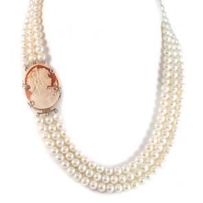Collana in stile a 3 fili di perle