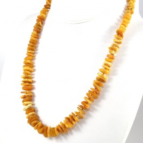 Collana ambra a sassolini grezzi irregolari, 7-12 mm - 35 gr; 60 cm