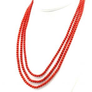 Collana 3 fili di corallo rosso moro, microboulle 5 mm - 66.5 gr; 65 cm