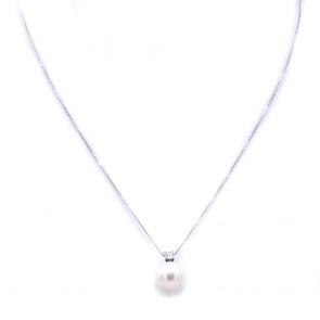 Ciondolo oro, perla giapponese - 9.5-10 mm - e diamante - 0.10 ct; 2.4 gr