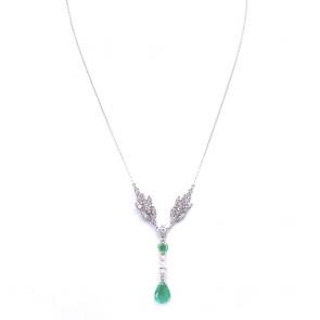 Collana oro, smeraldi taglio cuore e goccia - 3.53 ct - e diamanti -  2.59 ct- 50 cm; 10.1 gr.