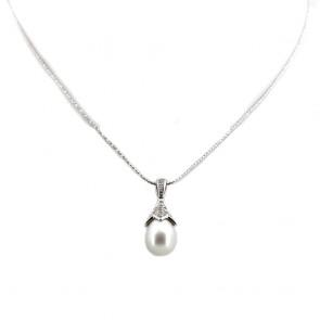 Ciondolo in stile oro, perla di mare - 9-13 mm - e diamanti - 0.12-0.15 ct; 7 gr