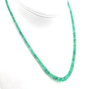 Collana un filo smeraldi a scalare - 65 ct - e oro. 51.5 cm; 13.7 gr.