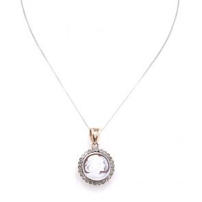 Ciondolo toppa cammeo in stile, oro, argento e diamanti; 5.9 gr