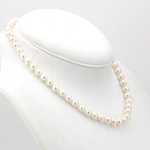 Collana da 45 cm di perle giapponesi - 7.5 mm- chiusura in stile oro, smeraldo e diamanti; 38.8 gr