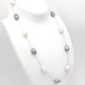 Collana modello catena alternata, oro e perle barocche bianche e nere - 55 gr; 70 cm