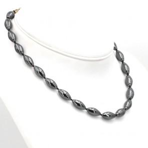 Collana di ematite, olive 8 mm x 16 mm - e argento.  61 gr; 40 cm