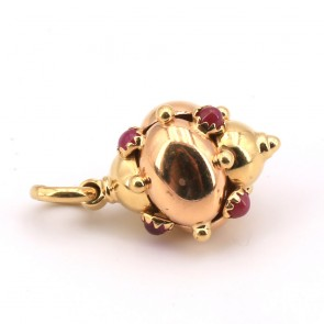 Ciondolo charm in oro e rubini -7.20 gr.