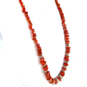 Collana corallo rosso etnico, a scalare 4-14 mm e elementi decorativi argento - 69 gr; 78 cm
