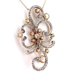 Ciondolo maxi in stile, oro e diamanti -5.10 ct; 29.52 gr