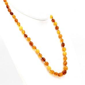 Collana ambra tricolore a olive irregolari, a scalare - 6 -13 mm - e argento - 20.5 gr; 58 cm