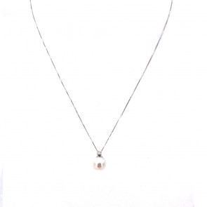 Ciondolo oro, perla giapponese - 7.5-8 mm - e diamante - 0.05 ct; 1.79 gr