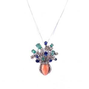 Ciondolo vaso capolavoro oro, corallo, smeraldi, zaffiri e diamanti. 4.5 cm; 10.95 gr