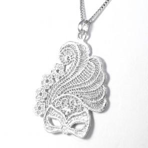 Ciondolo Lace, mezza maschera veneziana, pizzo d'argento- 16,76 gr