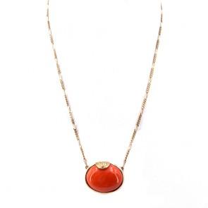 Collana-ciondolo con ovale corallo centrale, oro e diamanti - 0.18-0.20 ct; 42 cm, 11.20 gr