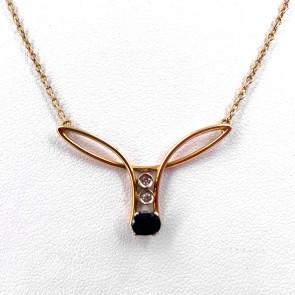 Collana in stile oro, zaffiro e mini diamanti; 19.19 gr