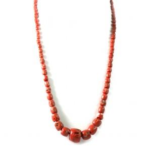 Collana di corallo etnico rosso