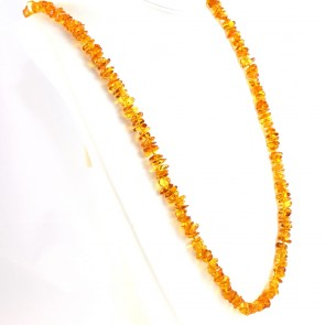 Collana ambra a sassolini irregolari, 7-10 mm - 39.7 gr; 80 cm