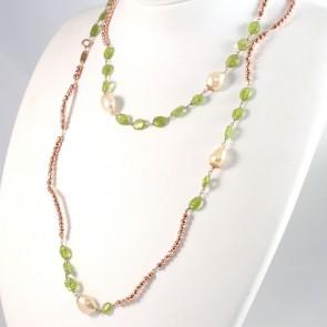 Collana lunga ematite rosè, peridoti e perle - 120 cm