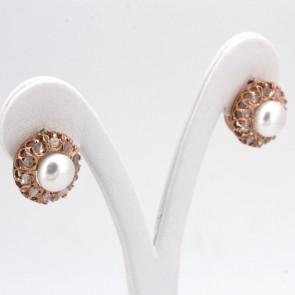 Orecchini toppe in stile al lobo oro, perle - 8 mm - e diamanti - 0.68 ct; 6 gr
