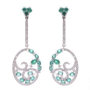 Orecchini pendenti regali oro, smeraldo -4.43 ct- e diamanti