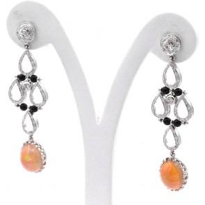 Orecchini pendenti, oro, opali - 7.13 ct-, diamanti - 0.95 ct- e microboulle di onice 6 cm; 12.5 gr