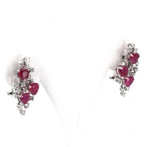 Orecchini al lobo, oro, cuori di rubini - 4.5 ct- e diamanti - 1.10 ct; 9.4 gr
