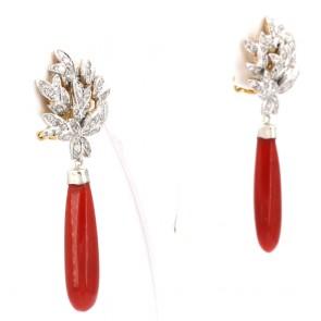 Orecchini pendenti oro, maxi gocce corallo rosa e diamanti - 0.65-0.70 ct; 10.2 gr; 6 cm