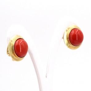 Orecchini al lobo bottoni in stile oro e corallo rosso - 10.2 gr; 2 cm