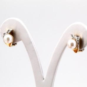 Orecchini al lobo oro, perle giapponesi -7.5 mm- e diamanti - 0.08-0.10 ct; 7.4 gr