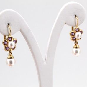 Orecchini pendenti oro, fiori ametista e perle giapponesi - 3.3 cm; 7.28 gr.