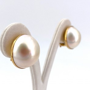 Orecchini al lobo oro, maxi perle mabè - 1.9 cm; 14.6 gr