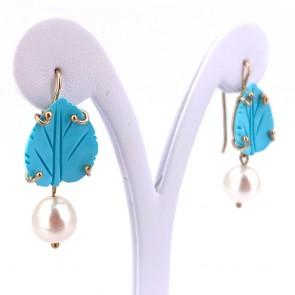 Orecchini pendenti oro, perle -11 mm- e pasta di turchese; 4.4 cm - 8.53 gr