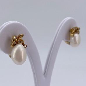 Orecchini al lobo oro, perle baroccate e diamanti - 0.10-0.18 ct; 7.19 gr