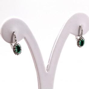 Orecchini a monachella chiusa con margherita oro, smeraldo -0.85 ct- e diamanti -0.38 ct- 1.9 cm; 3.18 gr