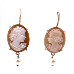 Orecchini cammeo in stile, argento e perle