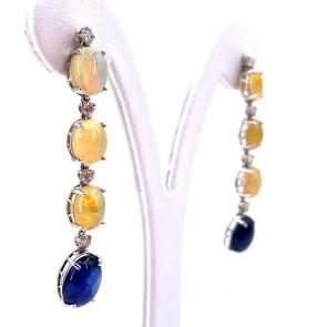 Orecchini pendenti oro, zaffiri - 7 ct-  opali - 10.5 e diamanti -0.76 ct; 10.24 gr -  5.3 cm
