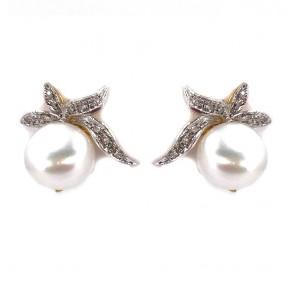 Orecchini al lobo, in stile, argento, oro, perle e diamanti;