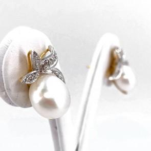 Orecchini al lobo, in stile, argento, oro, perle e diamanti;  gr - 6.27 gr