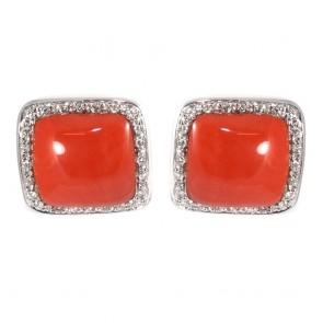 Orecchini al lobo oro, quadri corallo rosso e diamanti -0.36  ct; 9.5 gr; 1.6 cm