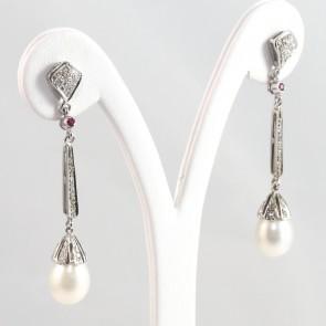 Orecchini pendenti oro, perle e diamanti - 5 cm; 7 gr