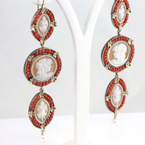 Orecchini maxi pendenti argento, oro, cammei e microbulle di corallo rosso -28 gr; 11 cm